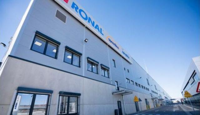 Pintura interior exterior nave industrial Ronal Teruel